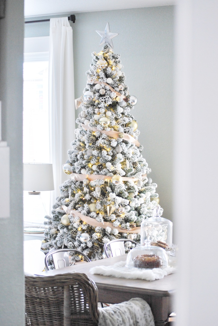 """2016 Holiday Home Tour- """"Adding Glam to Christmas Decor"""" 